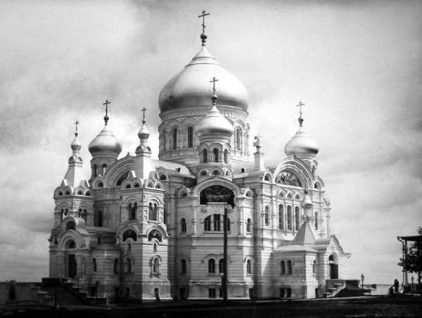 Крестовоздвиженский собор Белогорского Свято-Николаевского монастыря, Пермский край